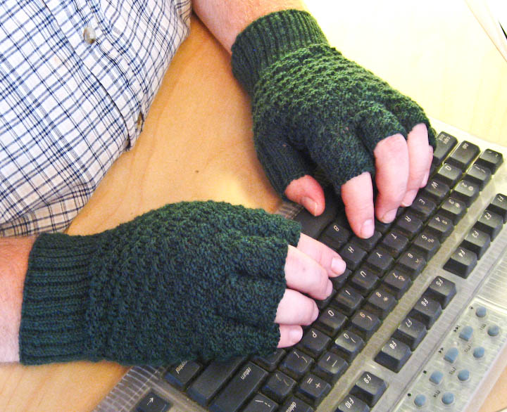 Basket Weave Fingerless Gloves For Men Knitting Pattern